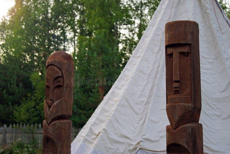 Heidense idolen voor de tent stock foto's
