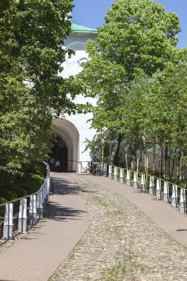 Heilig het Klooster Pskov-Holen van Dormition pskovo-Pechersky Klooster Afdaling de Bloedige weg royalty-vrije stock afbeeldingen