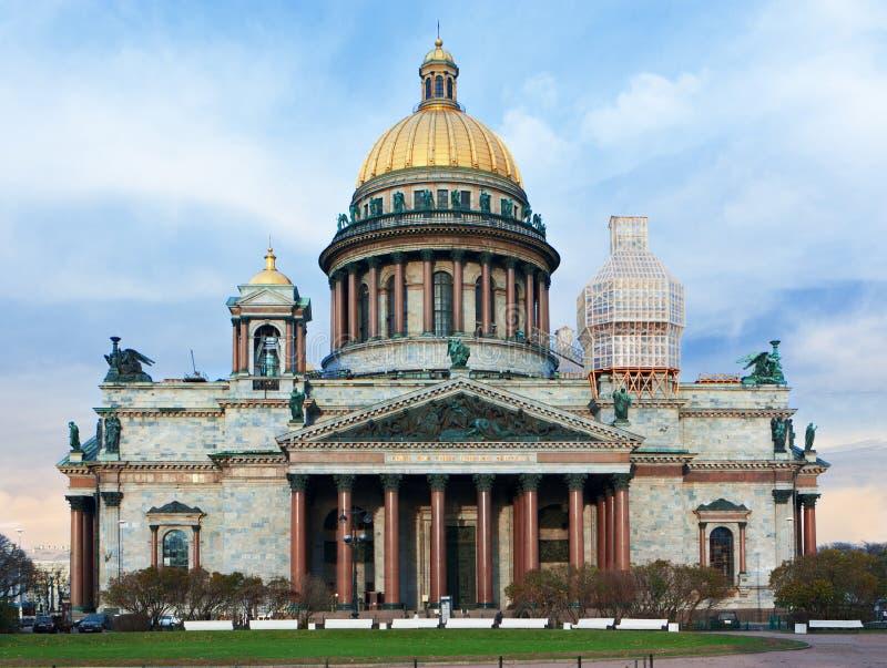 Download Heilig-Isaac Kathedrale In St Petersburg Stockfoto - Bild von architektur, christentum: 27730878