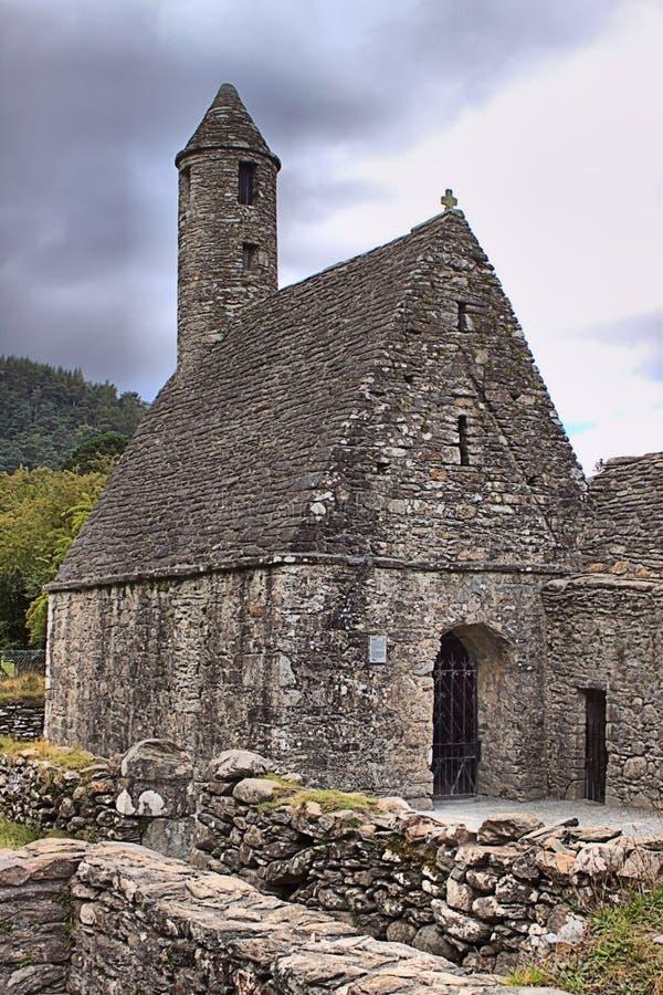 Heilig-Kevin-Kirche in Glendalough stockfoto