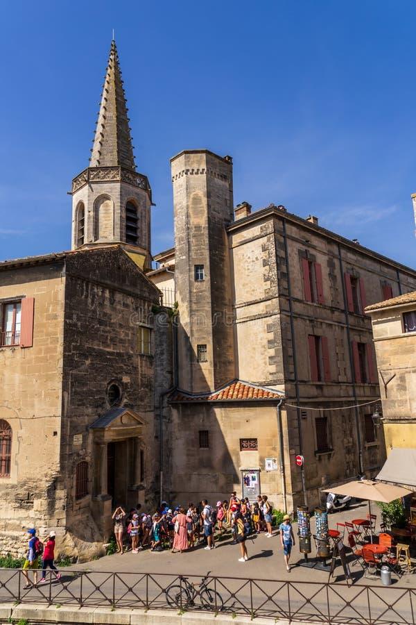 Heilig-Trophimekathedrale bei Arles in Frankreich stockbilder