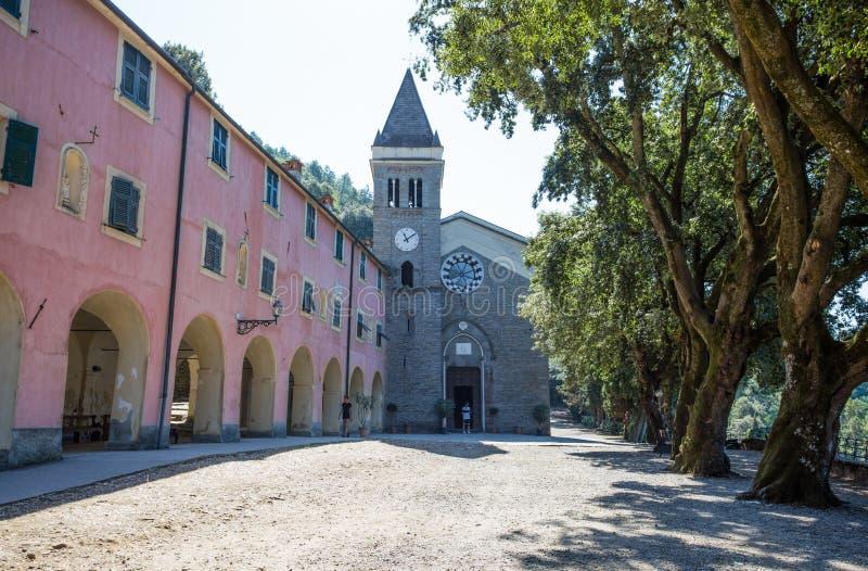 Heiligdom van Nostra Signora Di Soviore, de provincie van La Spezia, dichtbij Monterosso in 5 terre, Italië stock afbeeldingen