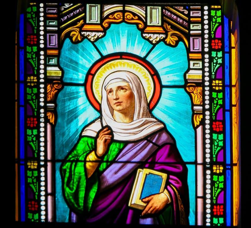 Heilige Anna - Gebrandschilderd glas in de Kerk van Antibes royalty-vrije stock foto's