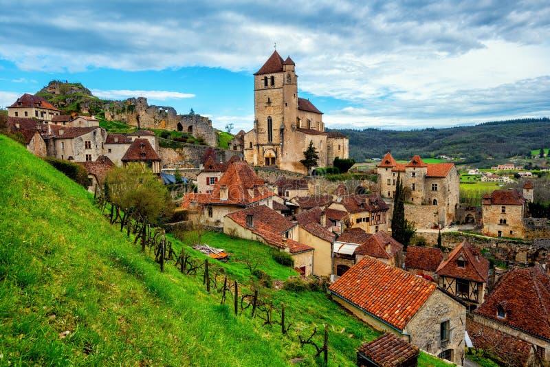 Heilige-Cirq-Lapopie, Cahors, één van de mooiste dorpen o stock foto's