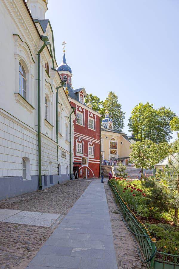 Heilige Dormition Pskovo-Pechersky Kloster Pskov-Höhlen Kloster Tempelkomplex lizenzfreie stockbilder