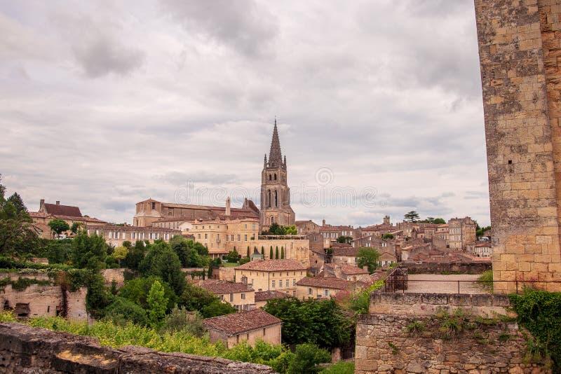 Heilige Emillion werd erkend als een Plaats van de Erfenis van de Wereld door Unesco Enkele fijnste wijngaarden van Frankrijk wor royalty-vrije stock afbeelding
