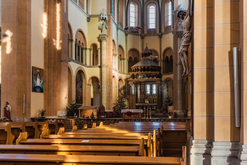 Heilige Francis van de Kerkbinnenland van Assisi stock fotografie