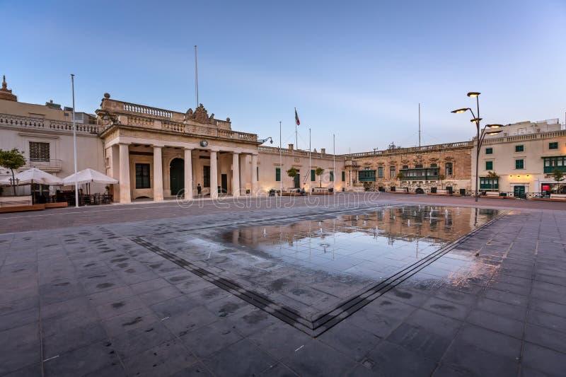 Heilige George Square en de Straat van de Republiek in Valletta royalty-vrije stock afbeeldingen