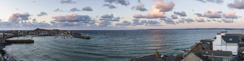Heilige Ives Clouds Sunset royalty-vrije stock foto