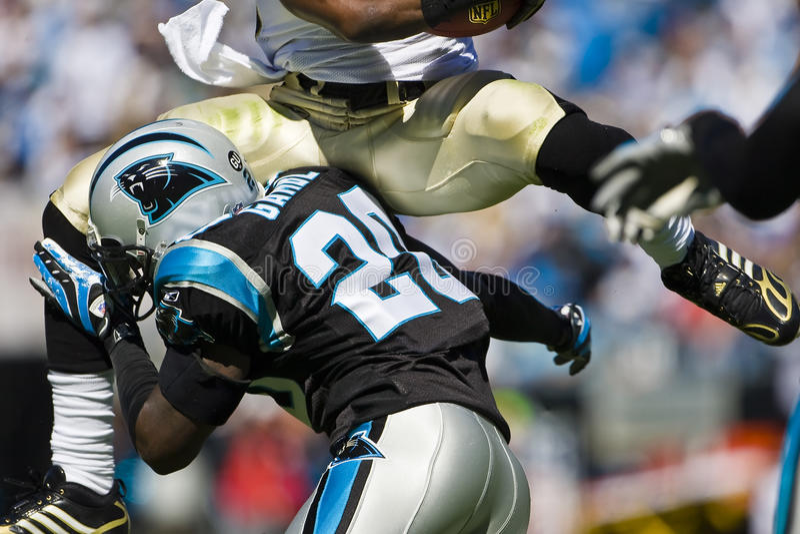 Heilige NFL-New Orleans gegen Carolina-Leoparden stockfotografie
