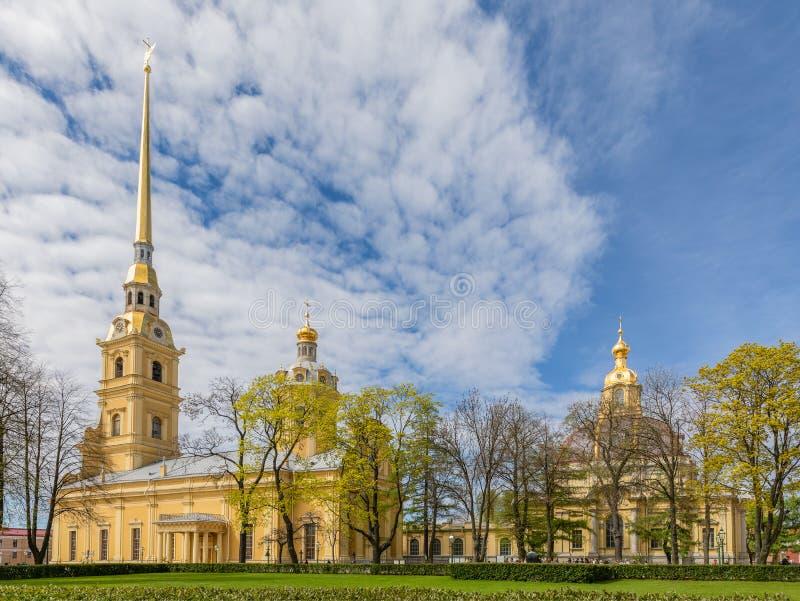 Heilige Peter und Paul Kathedrale in der Peter- und Paul-Festung lizenzfreie stockbilder