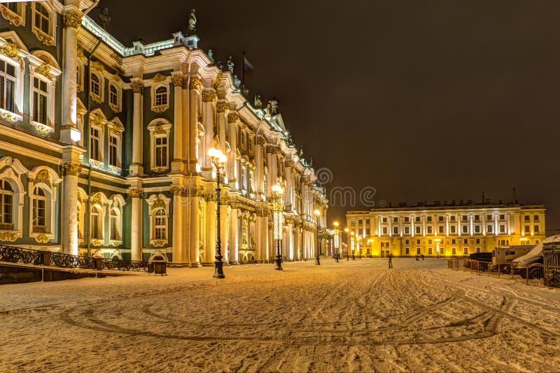 Heilige Petersburg, Rusland, 23, December, 2017: De Kluismuseum van de staat op een sneeuwavond, de winter royalty-vrije stock foto's