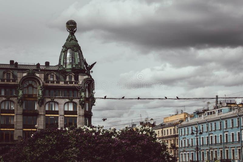 Heilige Petersburg, Rusland, Mei 2019 Het Zangerhuis, dat ook als het Huis van Boeken, op Nevsky-weg wordt bekend stock afbeeldingen