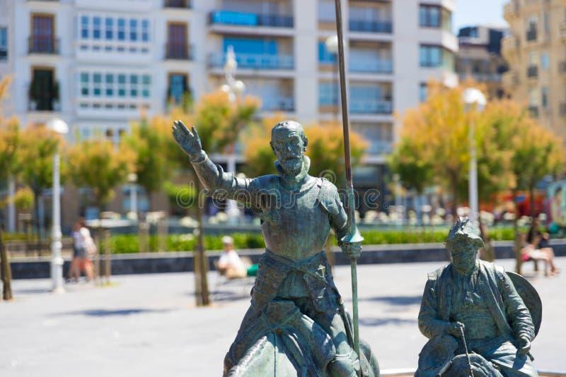 """Heilige Sebastian Spanje †""""10 05 2019: Trek het bronsstandbeeld Heilige Sebastian van Don Quichot aan royalty-vrije stock afbeeldingen"""