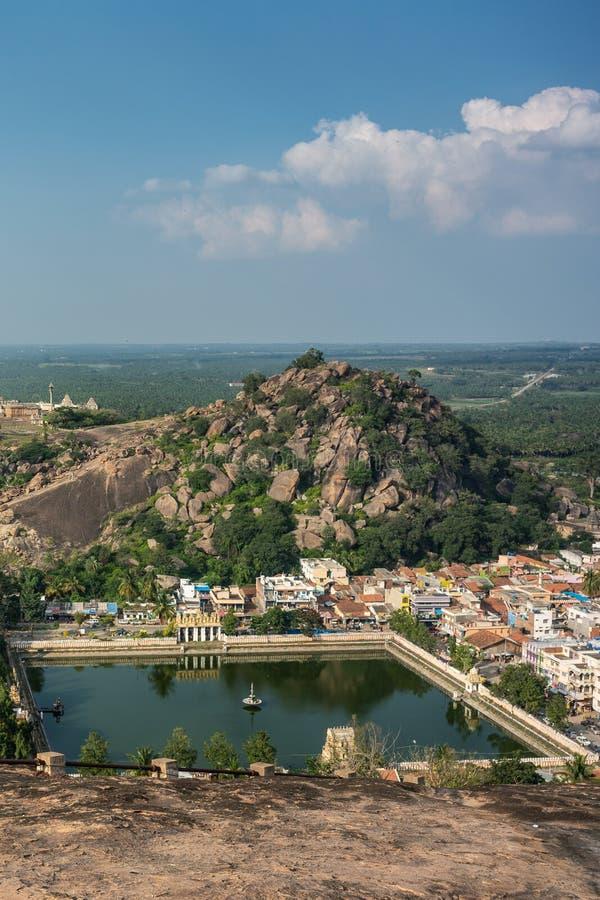 Heilige vijver Kalyani in Shravanabelagola, Karnataka, India royalty-vrije stock afbeeldingen