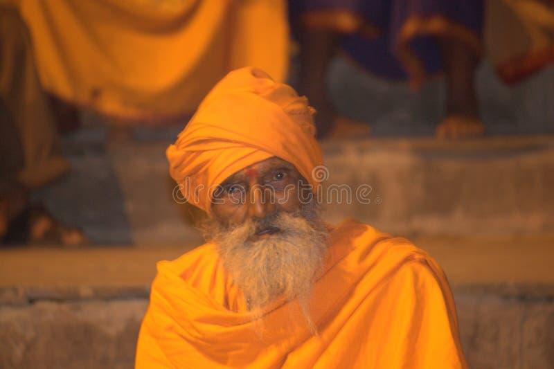 Heiliger Mann in Benaras stockbilder