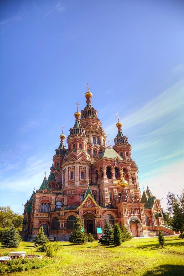Heiliger Peter-und Paul-Kathedrale in Peterhof, Russland lizenzfreies stockfoto