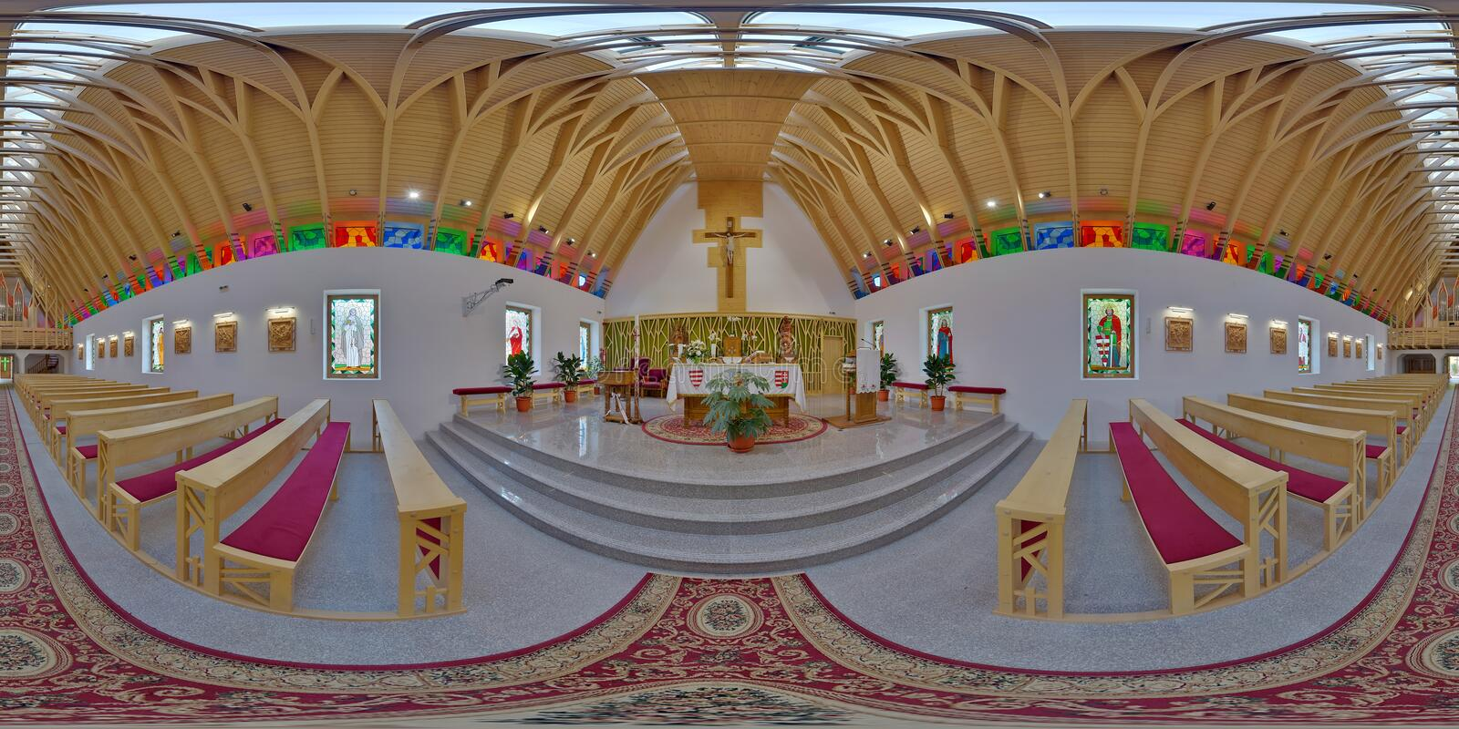 Heiliges Joseph Catholic Church Interior, ZetevÃ-¡ ralja (Vor-Cetate), Rumänien stockbild