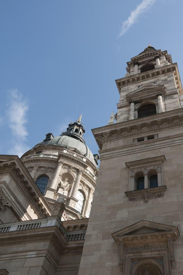 Heiligesstephen-Basilika in Budapest lizenzfreie stockfotos
