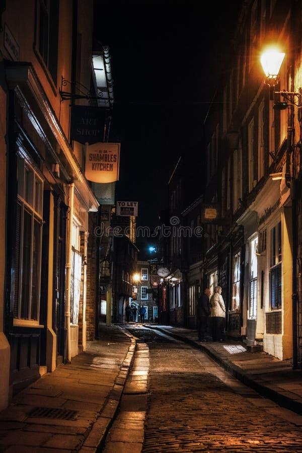Heilloser Durcheinander nachts in York, Yorkshire, England Großbritannien stockfoto