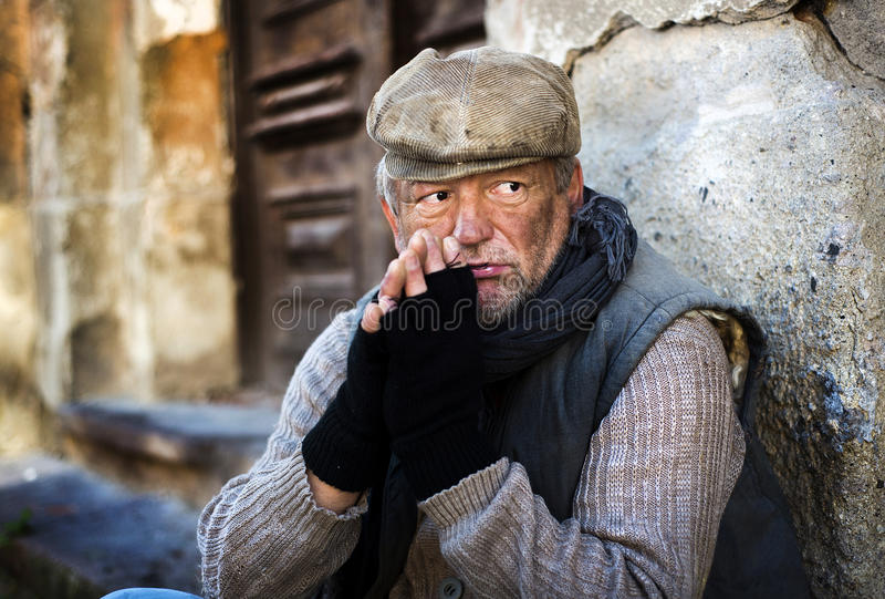 Heimatloser Mann lizenzfreie stockfotos
