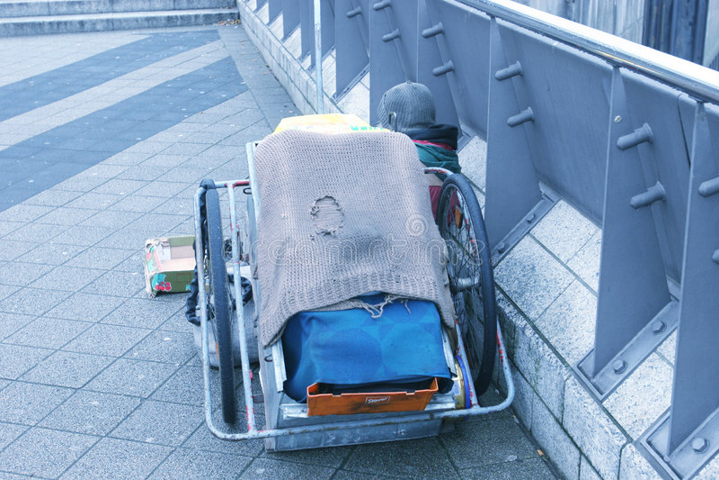 Download Heimatloses Wohnmobil stockbild. Bild von banister, schutzkappe - 36701