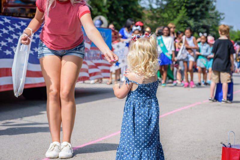 Heimatstadt 4. von Juli-Parade lizenzfreie stockbilder