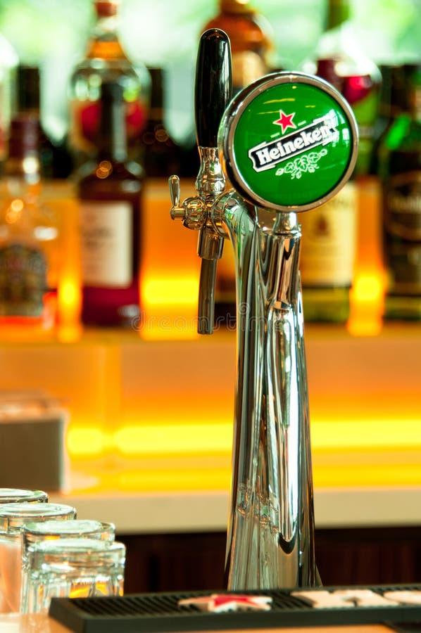 heineken μπύρας βρύση στοκ εικόνες