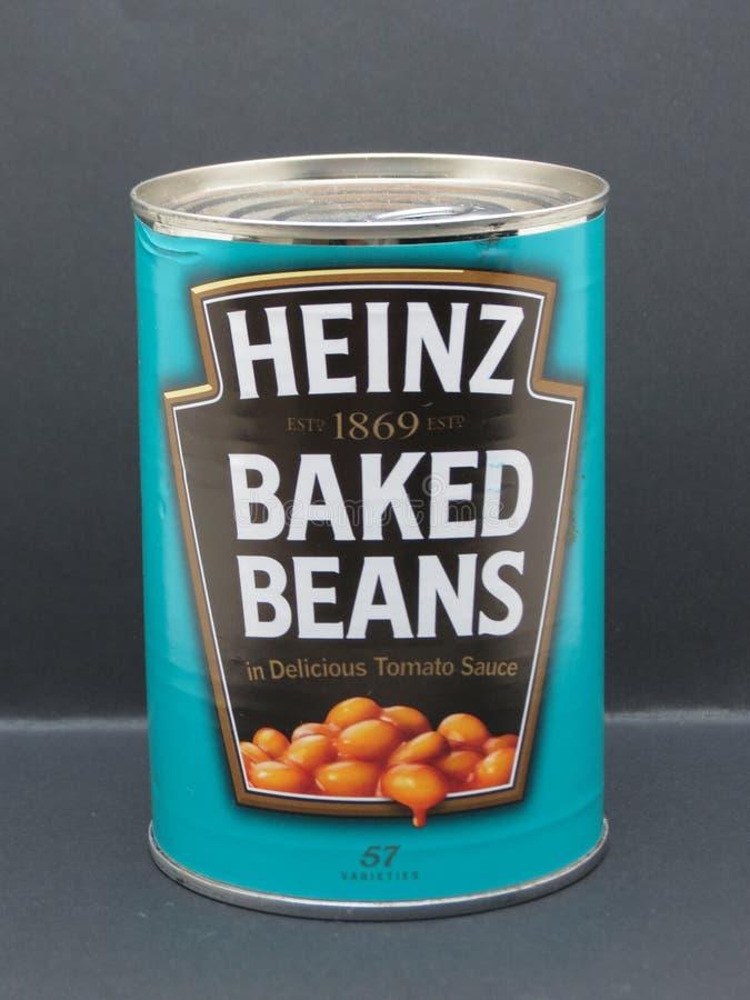 Heinz cozeu a lata de lata dos feijões imagens de stock