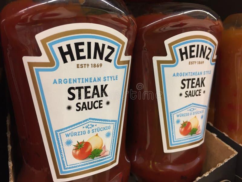 Heinz Steak Sauce-flessen royalty-vrije stock fotografie