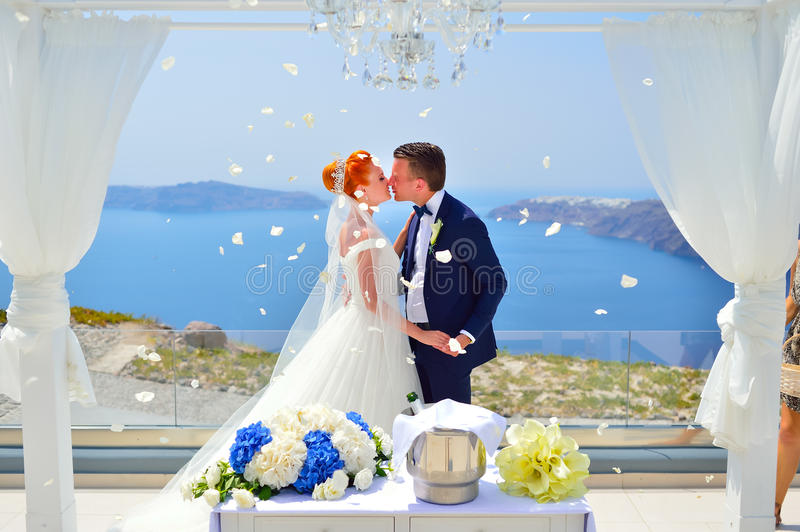 Heirat auf Santorini stockfotos