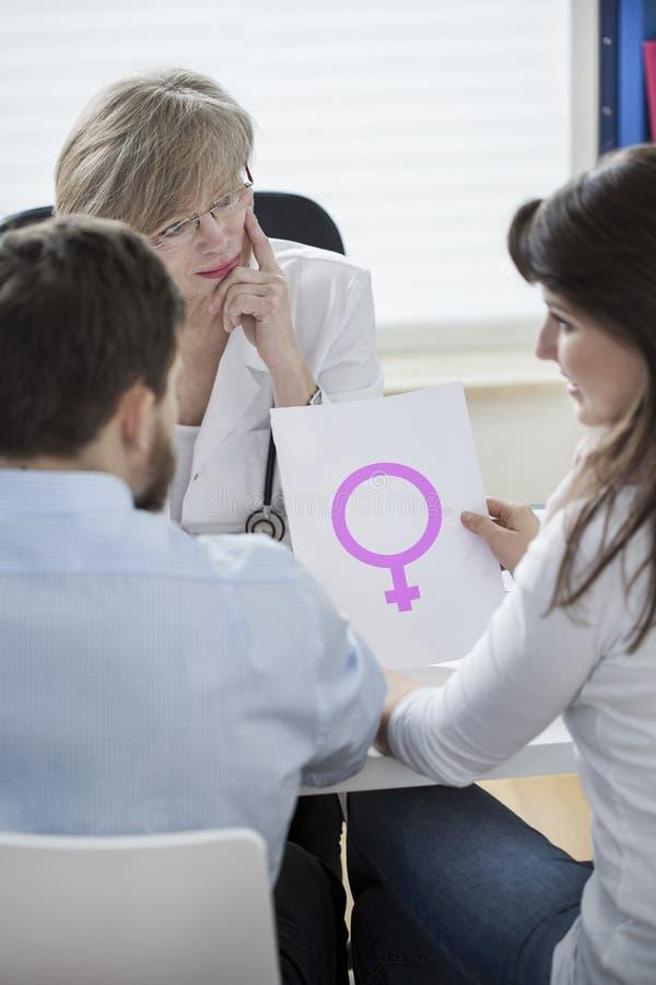 Heirat und weibliches Geschlecht lizenzfreies stockbild