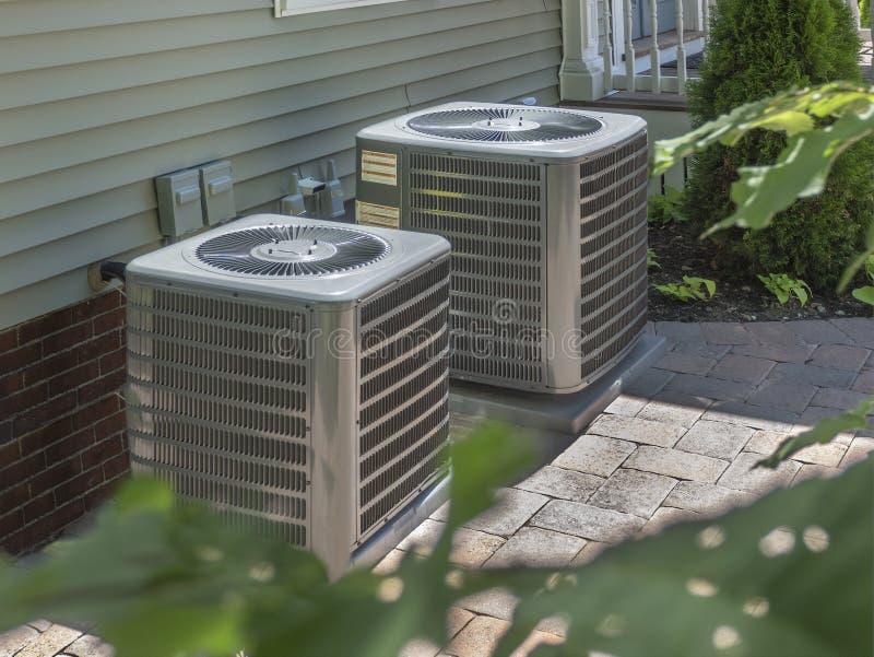 Heizung und Klimaanlage Wohn-HVAC-Einheiten stockbild