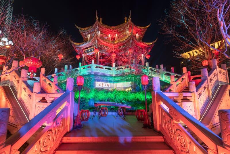 HeJiangpaviljoen bij nacht in Chengdu wordt verlicht die royalty-vrije stock afbeeldingen