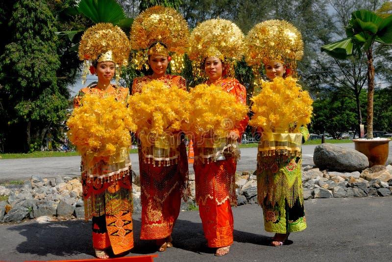 Hela traditionella Minangkabau royaltyfria bilder
