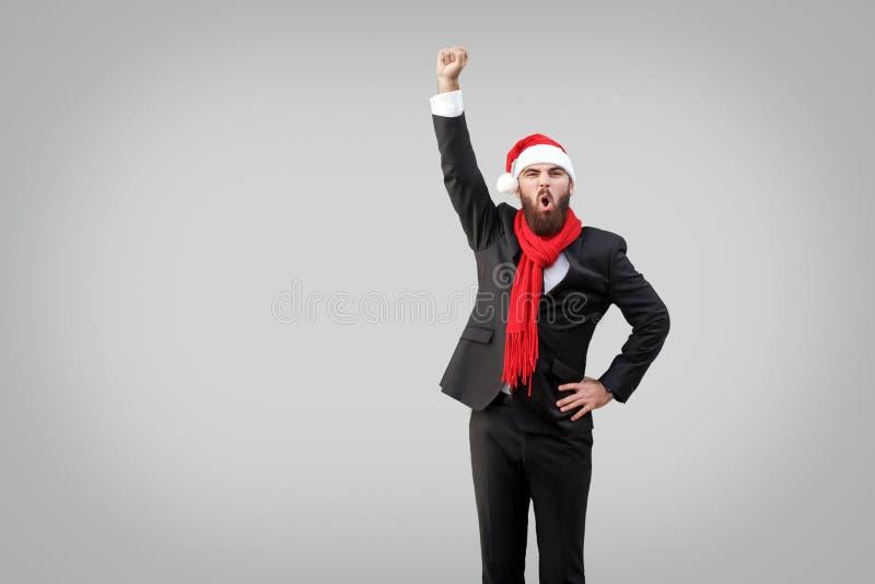 Heldenstijl Zakenman met baard in klassiek zwart kostuum, rood Sc royalty-vrije stock afbeelding