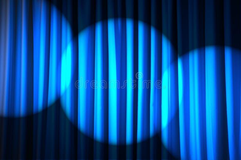 Helder aangestoken gordijnen - theaterconcept stock foto