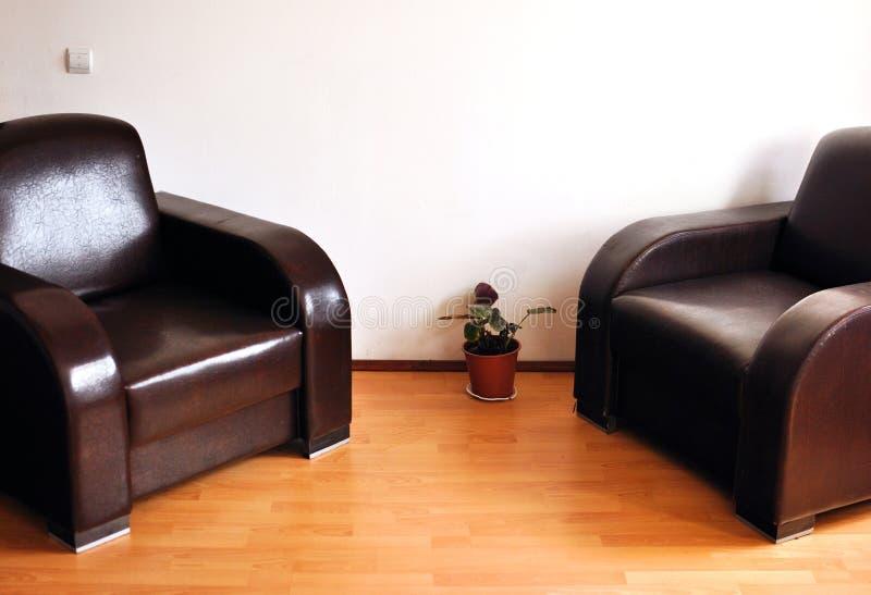 Helder binnenlands ontwerp van moderne woonkamer stock afbeelding
