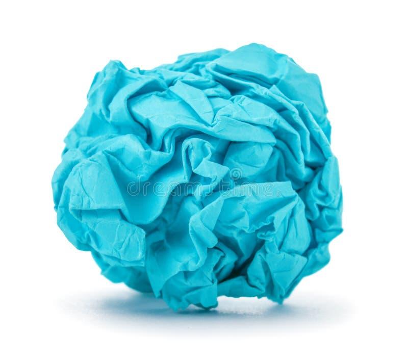 Helder blauw bal verfrommeld document stock foto