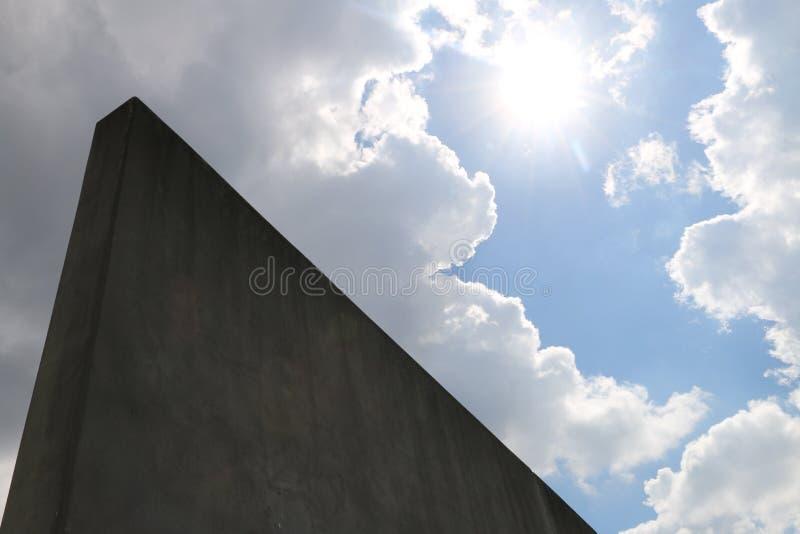 Helderder deze kant van de muur stock afbeelding
