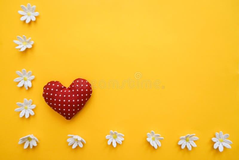 Heldere achtergrond met hart royalty-vrije stock foto