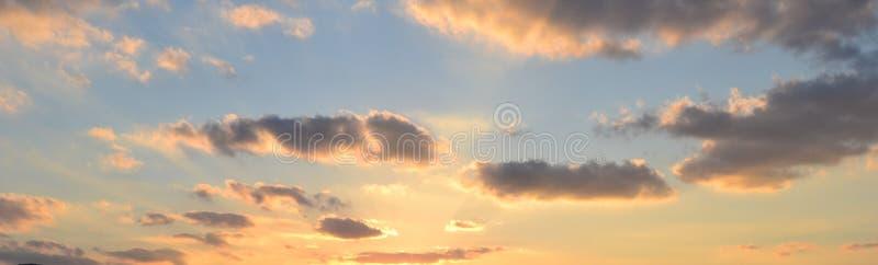 Heldere Blauwe NYC-Hemel royalty-vrije stock foto's