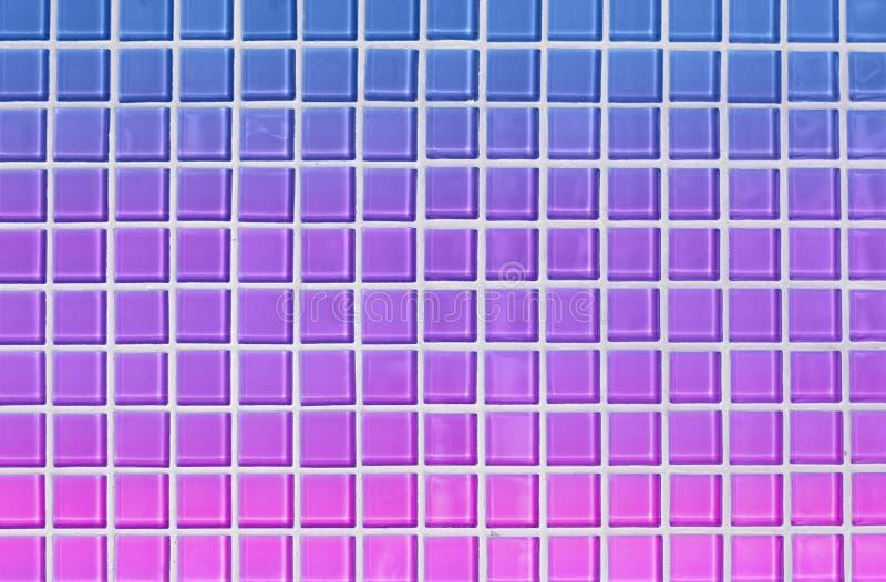 Heldere blauwe, purpere en roze abstracte vierkante de tegelachtergrond van de de jaren '80stijl vector illustratie
