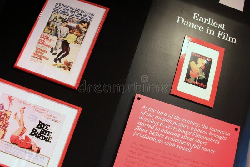 Heldere en kleurrijke affiche die chronologie van dans in film, Nationaal Dansmuseum, Saratoga, New York, 2015 benadrukken royalty-vrije stock fotografie