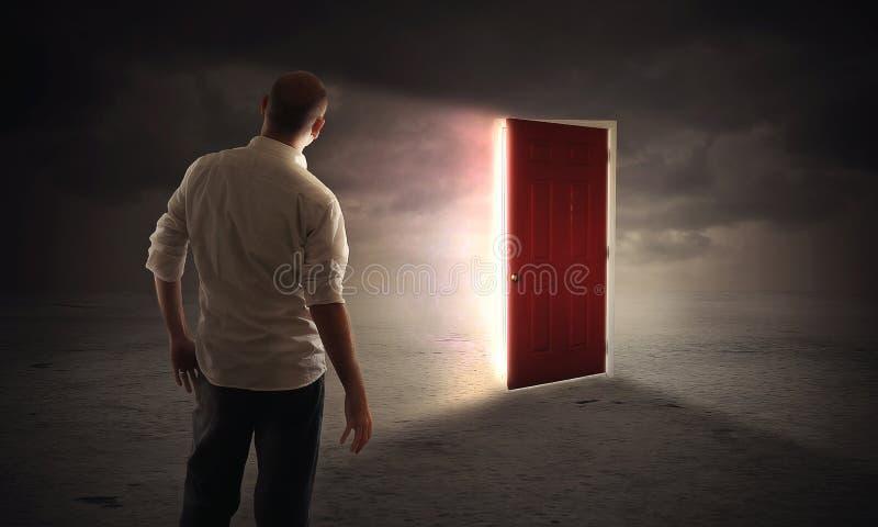Heldere gloeiende deur royalty-vrije stock foto