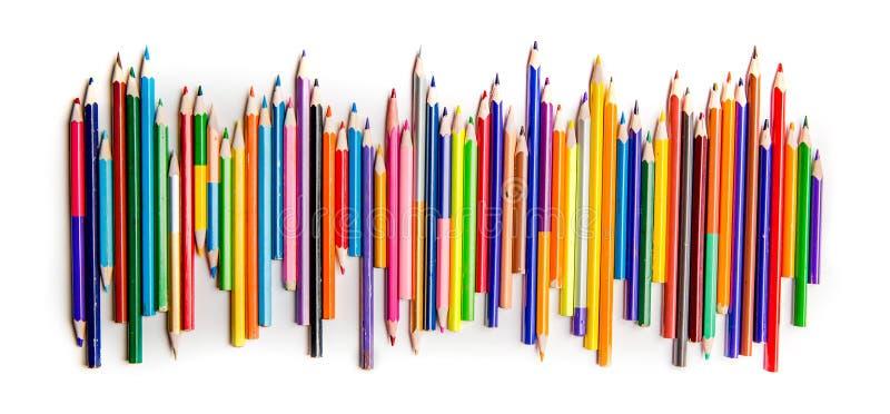 Heldere kleurenpotloden op een rij royalty-vrije stock fotografie