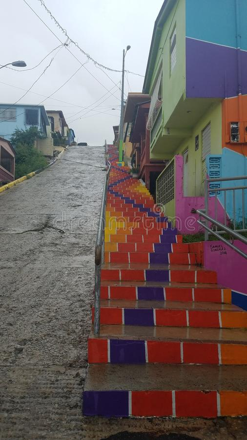 Heldere kleurrijke stappen en gebouwen in Yauco, Puerto Rico royalty-vrije stock foto's