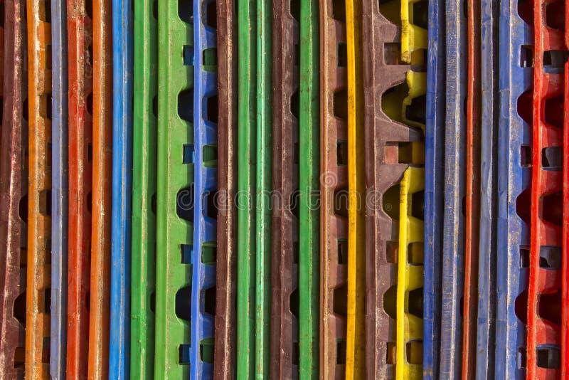 Heldere multi-colored verticale lijnen Ruwe Oppervlaktetextuur stock fotografie