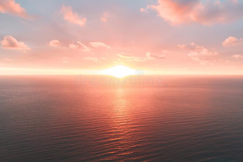 Heldere oranje hemel en licht van de zon De achtergrond van de hemel op zonsondergang De samenstelling van de aard De panoramisch stock afbeeldingen