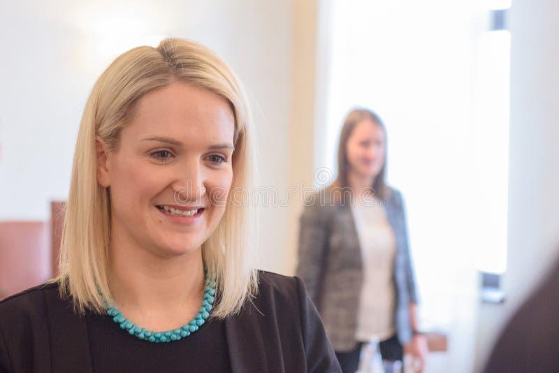 Helen McEntee Minister para los asuntos europeos de Irlanda fotos de archivo libres de regalías
